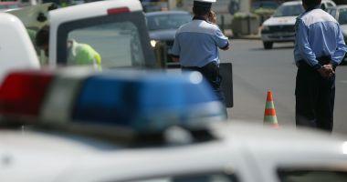 Accident rutier cu trei maşini implicate, în Mamaia. O victimă
