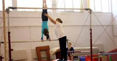 Antrenorii de gimnastică nu mai pot lucra în tandem.