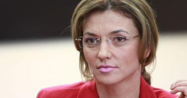 """Alina Gorghiu: """"Orice fost preşedinte al PNL ar trebui să se regăsească pe lista de europarlamentare"""""""