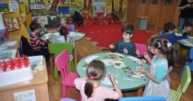 Copiii, obligatoriu la grădiniţă