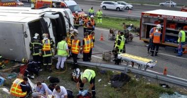 Grav accident de autocar, în centrul Franţei