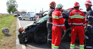 Grav accident rutier! Un taximetrist �i clientul s�u, mor�i pe loc