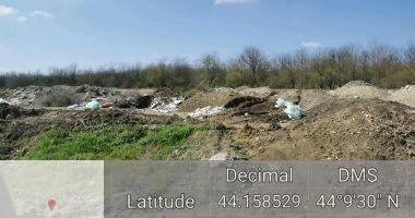 Groapă de deşeuri lângă situl Natura 2000 Fântâniţa Murfatlar