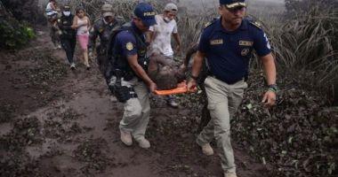 MASACRUL NATURII! Bilanţul erupţiei vulcanului Fuego din Guatemala: 99 de morţi!