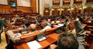 Guvernul Dăncilă a trecut fără emoții de votul Parlamentului