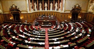 Guvernul francez flexibilizează piaţa muncii pentru a atrage investitorii şi a reduce şomajul