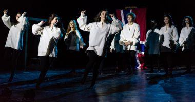 """""""Hamlet"""", în viziunea elevilor viitori actori,  de la Colegiul Naţional  """"Regina Maria"""""""