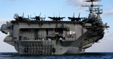 O dronă a Iranului a survolat un portavion american în Golful Persic