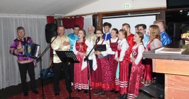 """Prima """"Seară Culturală Rusească"""", punte de colaborare între primăriile Hârşova şi Ghindăreşti"""