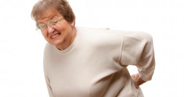 Cine fuge de operaţia de hernie de disc poate rămâne cu sechele