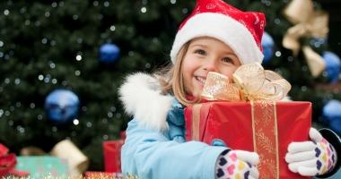 Cadouri pentru copii de la Primăria Constanţa