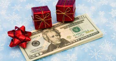 Iată câți angajatori vor acorda prime de Crăciun