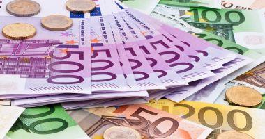 Iată cu cât a scăzut rezerva valutară a României