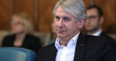 Orlando Teodorovici lovește din nou și vrea să limiteze libertatea de mișcare a românilor în UE