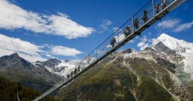 A fost inaugurat cel mai lung pod pietonal suspendat din lume