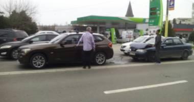 Galerie foto. Accident rutier în zona Tomis 3 din Constanţa