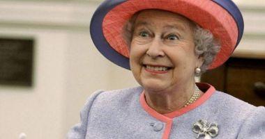 Regina Elisabeta, tot mai des cu ochelari de soare! Iată motivul