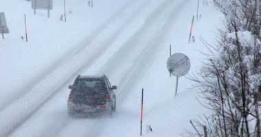 Atenție șoferi! Se circulă în condiții de iarnă în toată țara