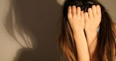 SCANDAL SEXUAL! Un profesor de muzică supunea fetiţe la PERVERSIUNI SEXUALE
