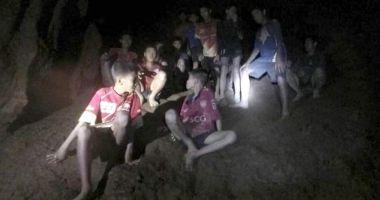 Cei patru copii salvaţi din peştera inundată, în stare bună. Azi se reia salvarea celorlaţi