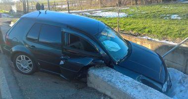 GALERIE FOTO / ACCIDENT TERIBIL LA CONSTANŢA, din cauza unui şofer care a virat la stânga, peste linia dublă continuă