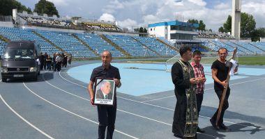 GALERIE FOTO. Dumitru Mihăilescu, condus pe ultimul drum. Cortegiul funerar s-a oprit şi la Stadionul Farul