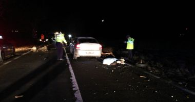 TRAGEDIE la Constanța! Un mort și trei răniți, după un impact între un autoturism și o căruță