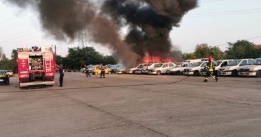 Incendiu la Constanța! Ard mai multe mașini