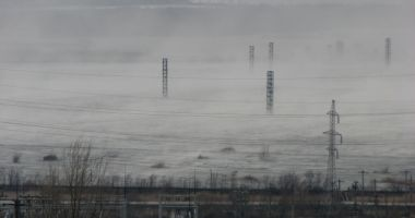 Alertă! Poluare cu particulele fine de praf provenite de la deșeurile miniere la Moldova Nouă