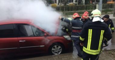 INCENDIU. Maşină cuprinsă de flăcări, aproape de ISU