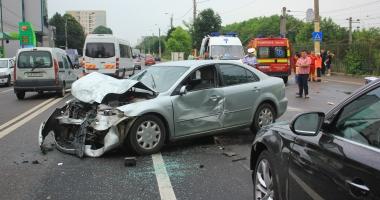 Foto : GALERIE FOTO. GRAV ACCIDENT RUTIER �N CONSTAN�A. CINCI VICTIME! A INTERVENIT DESCARCERAREA