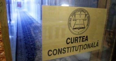 CCR a recunoscut puterea recomandărilor Comisiei de la Veneţia şi amână pentru la toamnă pronunţarea pe legile justiţiei