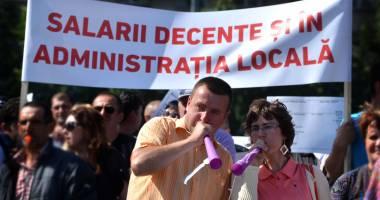În administraţia publică se strâng semnăturile pentru greva generală