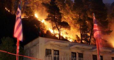 Cel puţin 74 de morţi şi 187 de răniţi în incendiile din Grecia, însă numărul dispăruţilor nu a fost determinat UPDATE