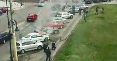 VIDEO. Autoturism în flăcări, în faţa Primăriei Constanţa. Jandarmii au stins focul