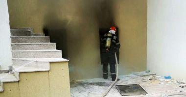 Anchetă pentru a stabili cauza incendiului din subsolul unui hotel din Mamaia Nord