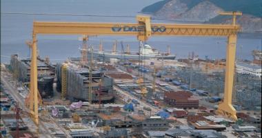Foto : Industria naval� sud-coreean� intr� �n grev�