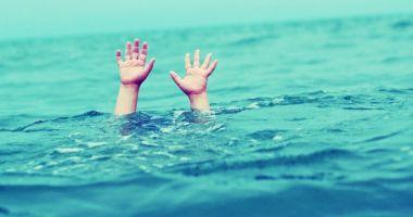 UPDATE - Căutările băiatului dispărut în valuri, la Corbu, SISTATE!