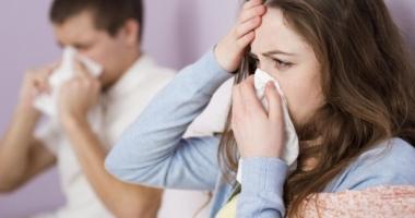 Medicii vă învață cum să preveniți infecţiile respiratorii de sezon