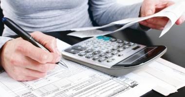 Informaţii financiare