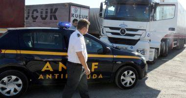 Inspectorii antifraudă au verificat peste 13.800 de autovehicule de marfă