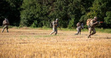 Instrucție complexă pentru pregătirea scafandrilor militari de luptă