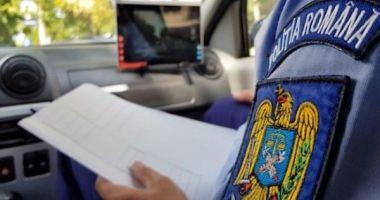 Instructor auto, prins băut la volan, în timpul examenului