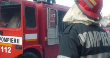 O soţie care-şi ţinea bărbatul la uşă, trezită din somn de… pompieri!