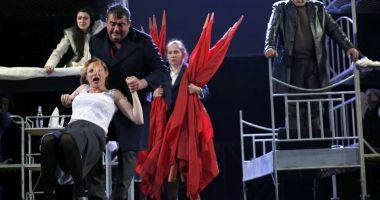 """Invitaţie la Teatrul de Stat:  """"Inima Reginei Maria"""" şi """"Testosteron"""""""