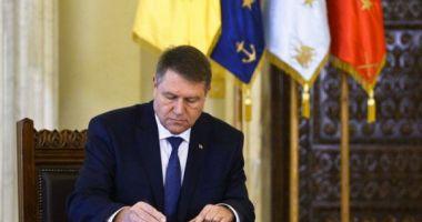 Legea privind pensia de urmaş pentru copiii militarilor căzuţi la datorie, promulgată de șeful statului