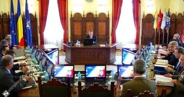 Klaus Iohannis a convocat CSAT pentru rectificarea bugetară, abia pentru 4 septembrie
