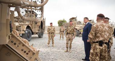 Președintele Klaus Iohannis, întâlnire cu militarii români care activează la baza militară NATO de la Geilenkirchen din Germania