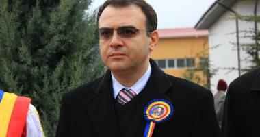 Prefectul Ion Constantin l-a suspendat din funcţie pe Nicuşor Constantinescu