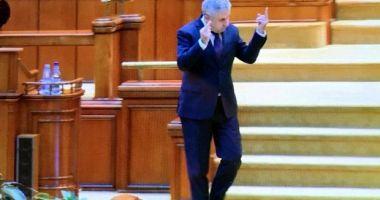 Plângere penală pe numele lui Florin Iordache. Gestul obscen din Parlament îl aduce pe deputat în atenţia poliţiei